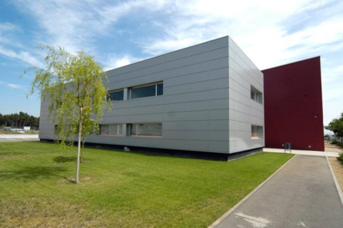 atictec-efficient-homes-system-passihouse-precision-eficiencia-flexibilidad-exterior-empresa